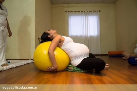 centro de yoga aplicada - yoga embarazadas