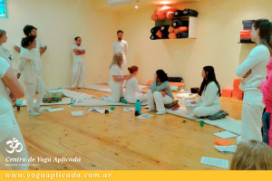 taller en centro de yoga aplicada